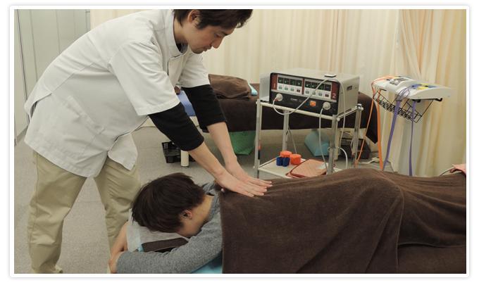 コスモ整骨治療院(施術の様子)